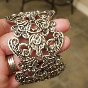 Lacy Metal Stretch Bracelet